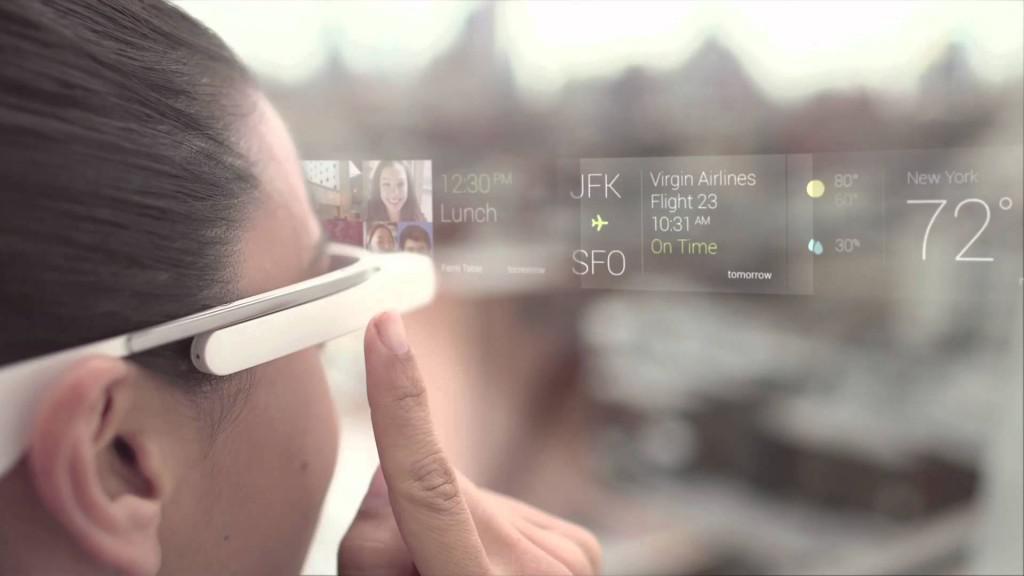 Google Glass co umí brýle a jak zobrazují informace