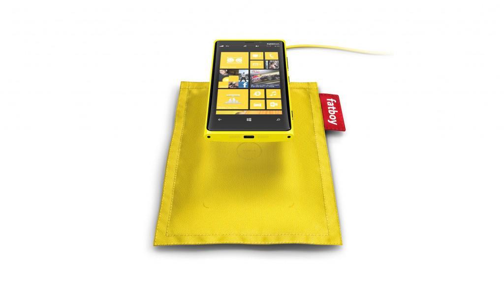 Nokia Fatboy bezdrátová nabíječka