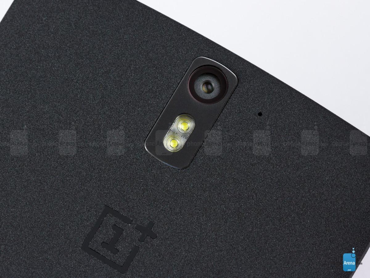 OnePlus One a jeho duo LEDek