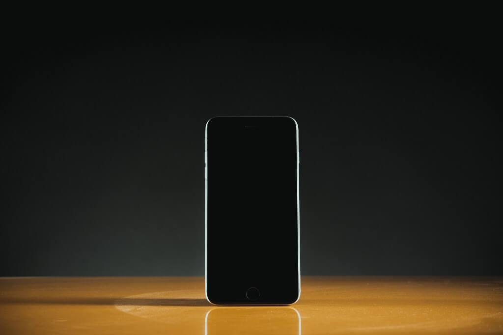 Co lidé očekávají od mobilního tarifu? Neomezené volání a nízkou cenu!