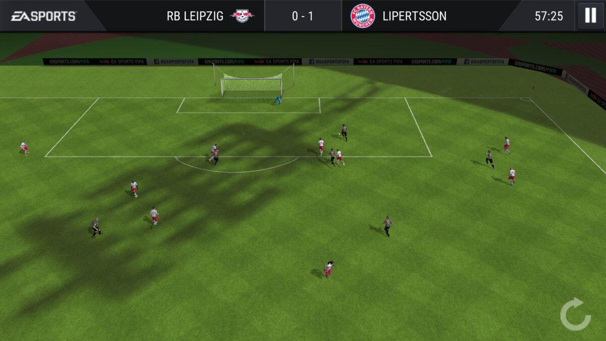 FIFA Football Mobile - parádička a zpomalený záběr